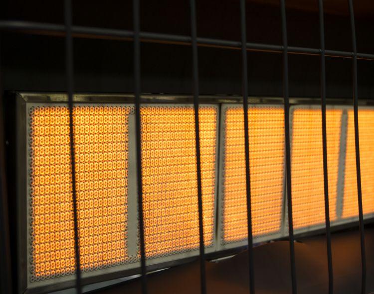 IR12PMDG-1 Dyna-Glo 12,000 BTU Liquid Propane Infrared Vent Free Wall Heater - ifrared flames
